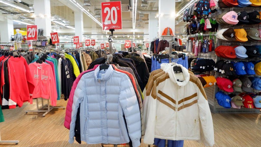 Belanja pakaian murah di factory outlet jakarta
