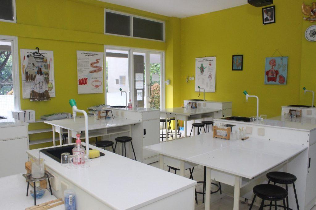 laboraturium sekolah insan cendekia madani